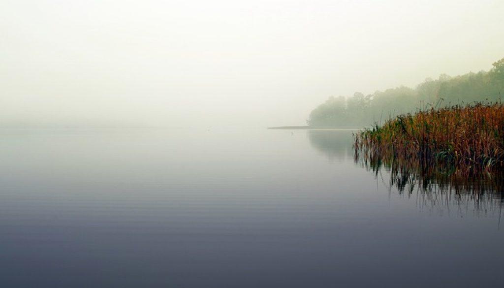 lake 2936497_640