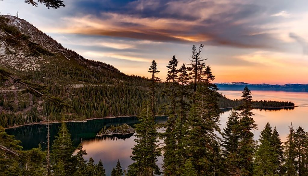 lake tahoe 1590923_640